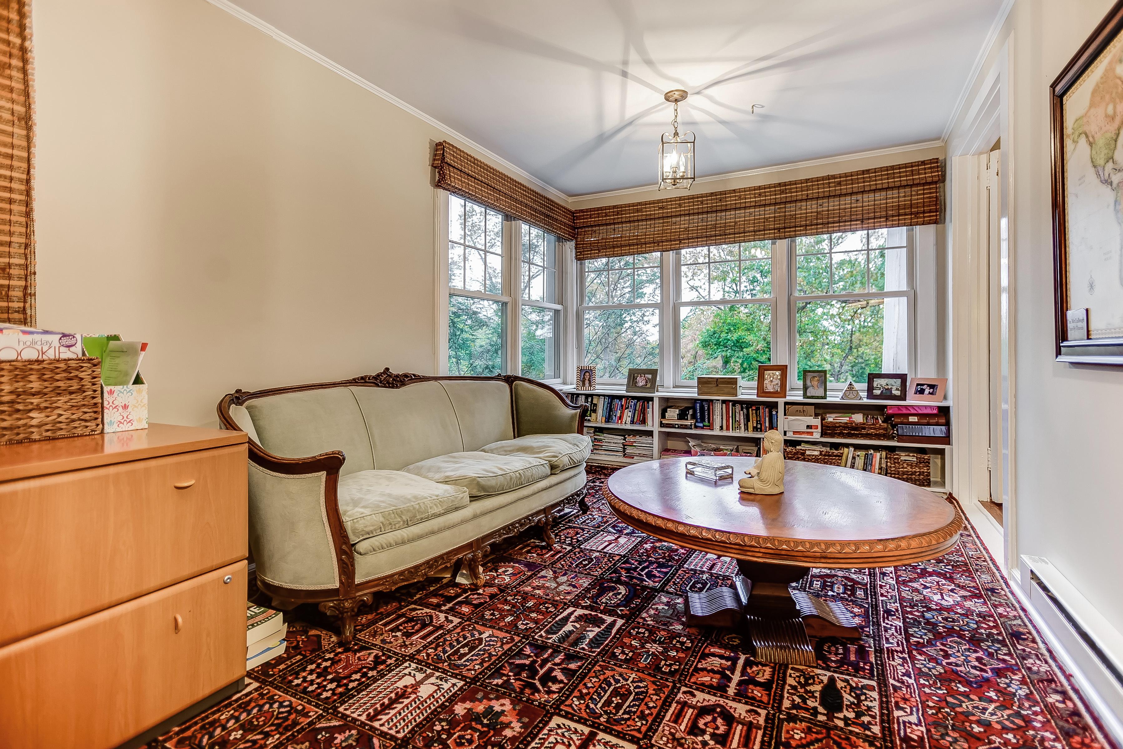14 – Master Sitting Room – 67 Oak Ridge Avenue