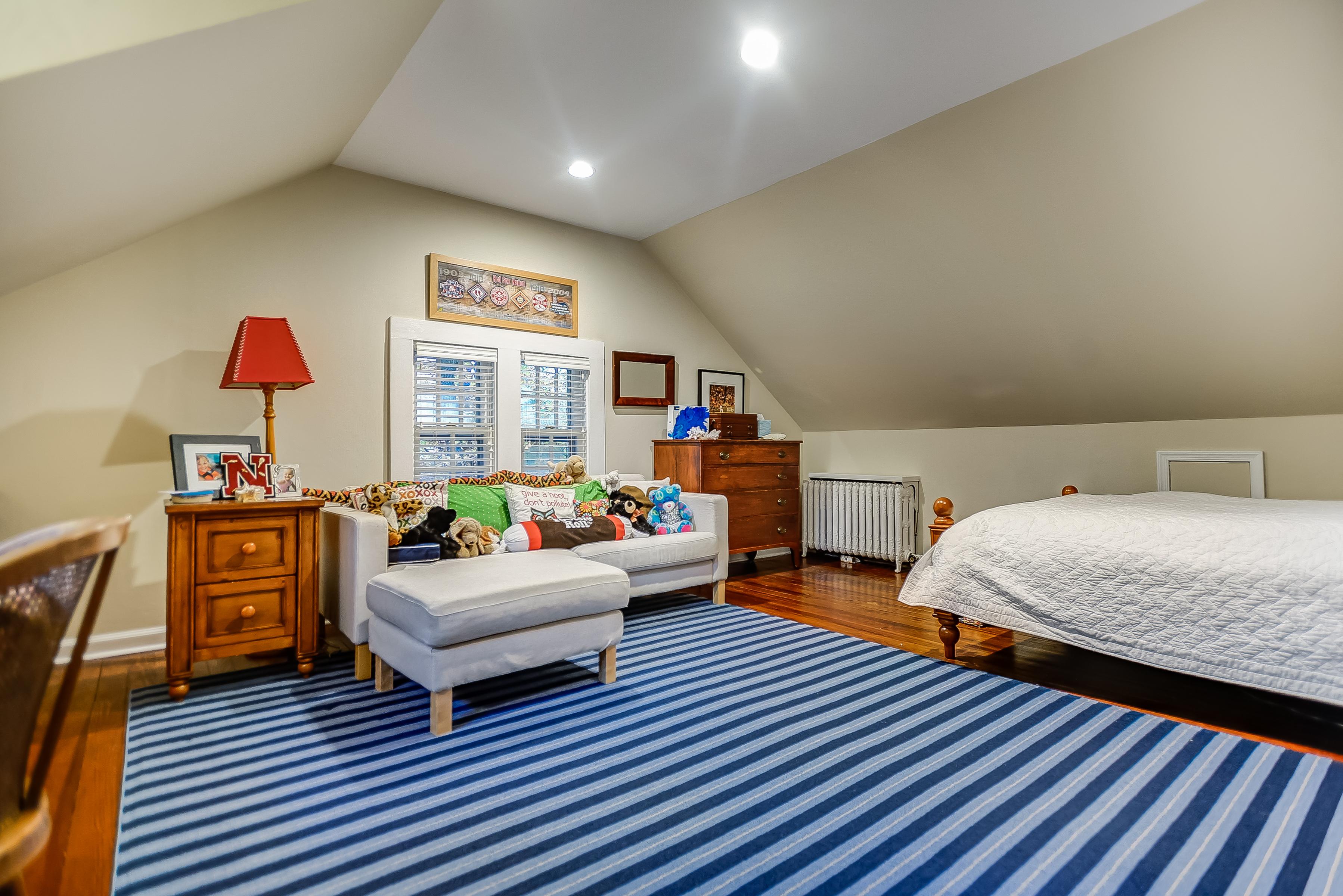 19 – Bedroom 5 – 67 Oak Ridge Avenue