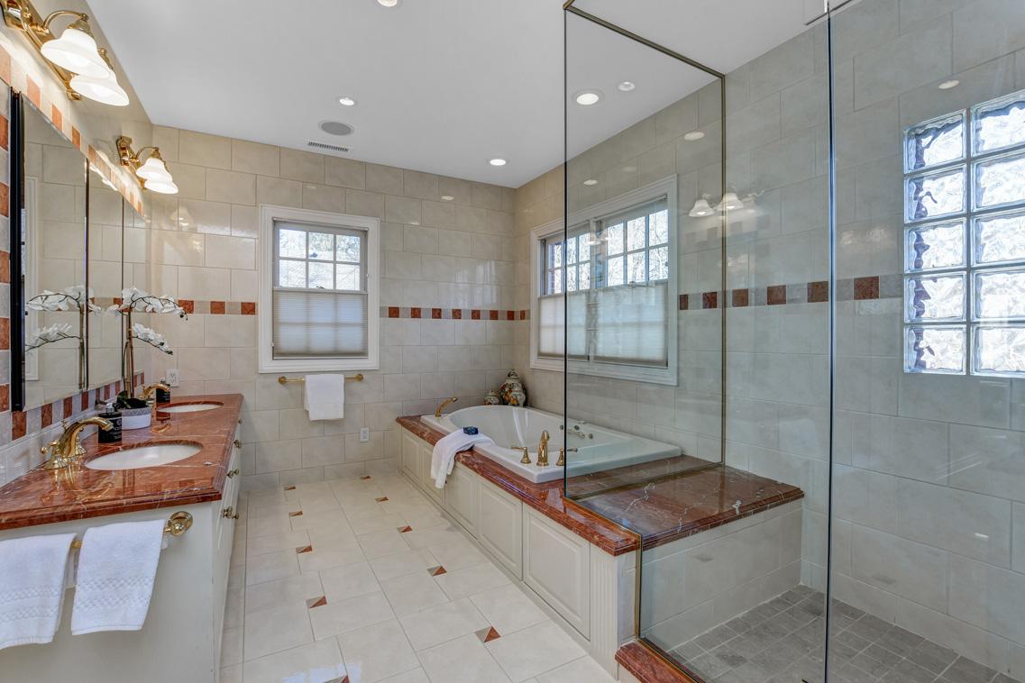 11 – 26 Woodcrest Avenue – Spa-like Master Bath