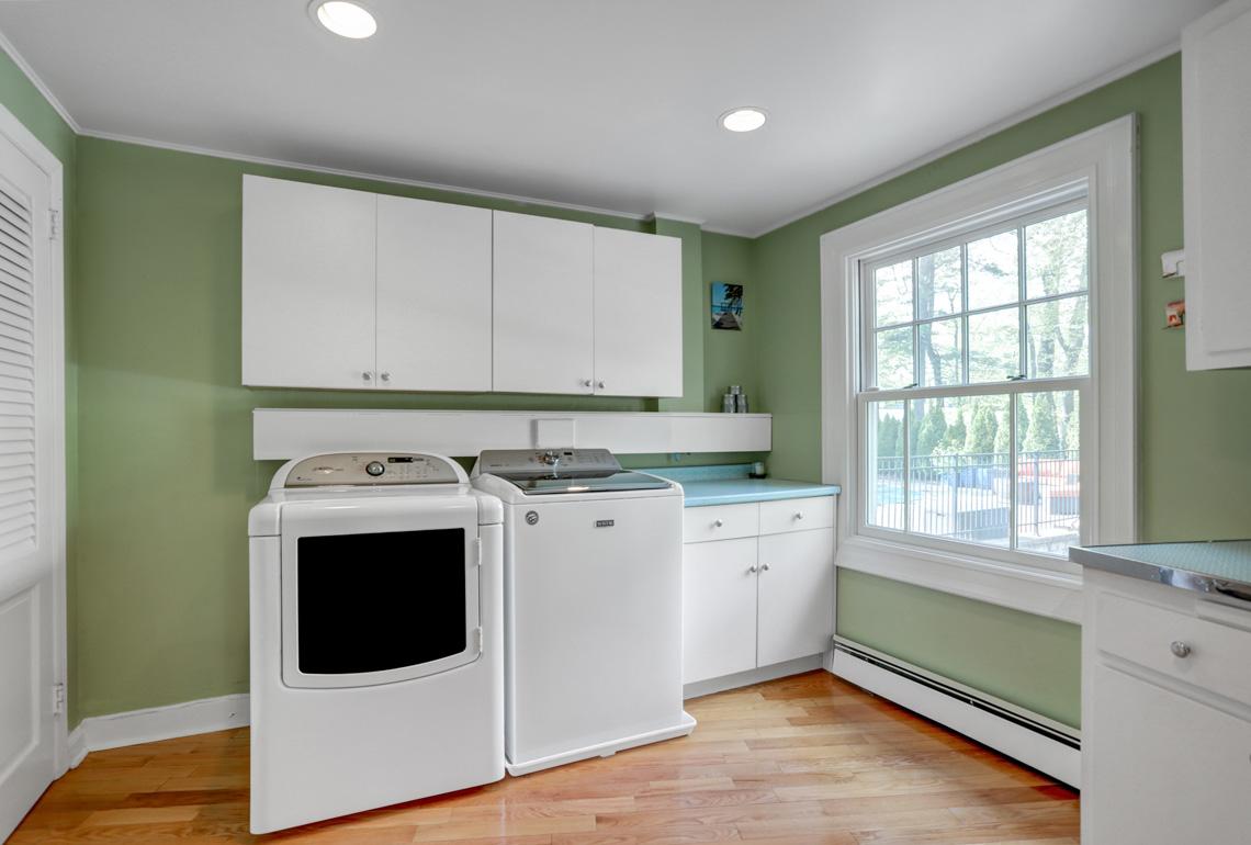 13 – 407 Hobart Avenue – Laundry Room