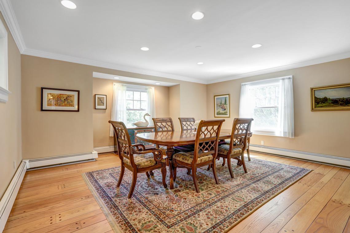 14 – 407 Hobart Avenue – Dining Room