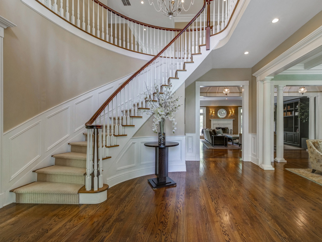 2 – 28 Montview Avenue – Entrance Hall
