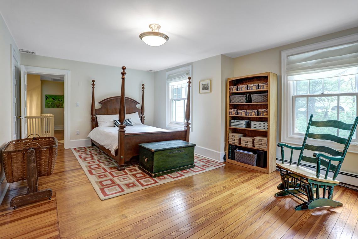20 – 407 Hobart Avenue – Bedroom