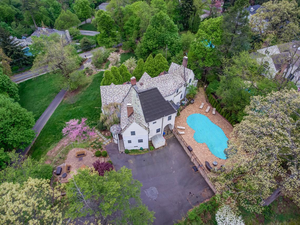 23 – 407 Hobart Avenue – Stunning Property