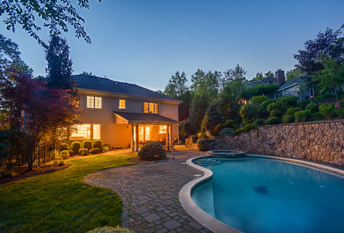 25 – 48 Holly Drive – Incredible Backyard