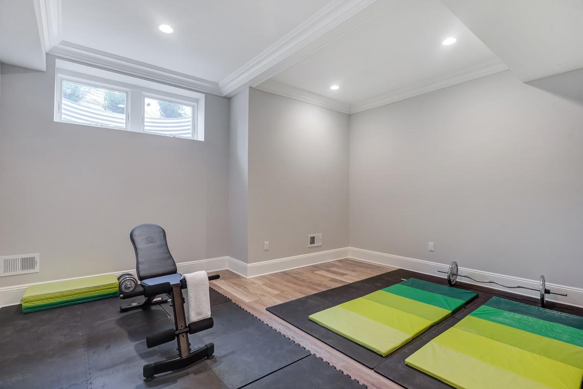 24 – 16 Sheridan Drive – Exercise Room