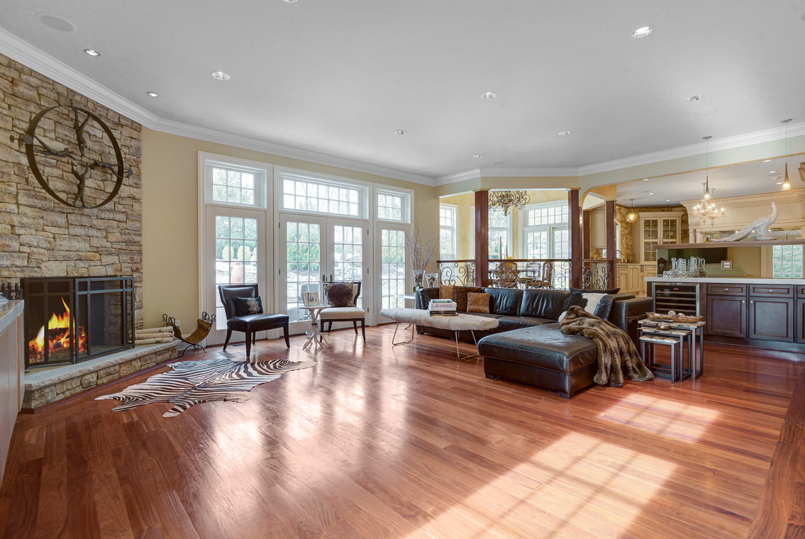 11 – 35 Lakeview Avenue – Family Room