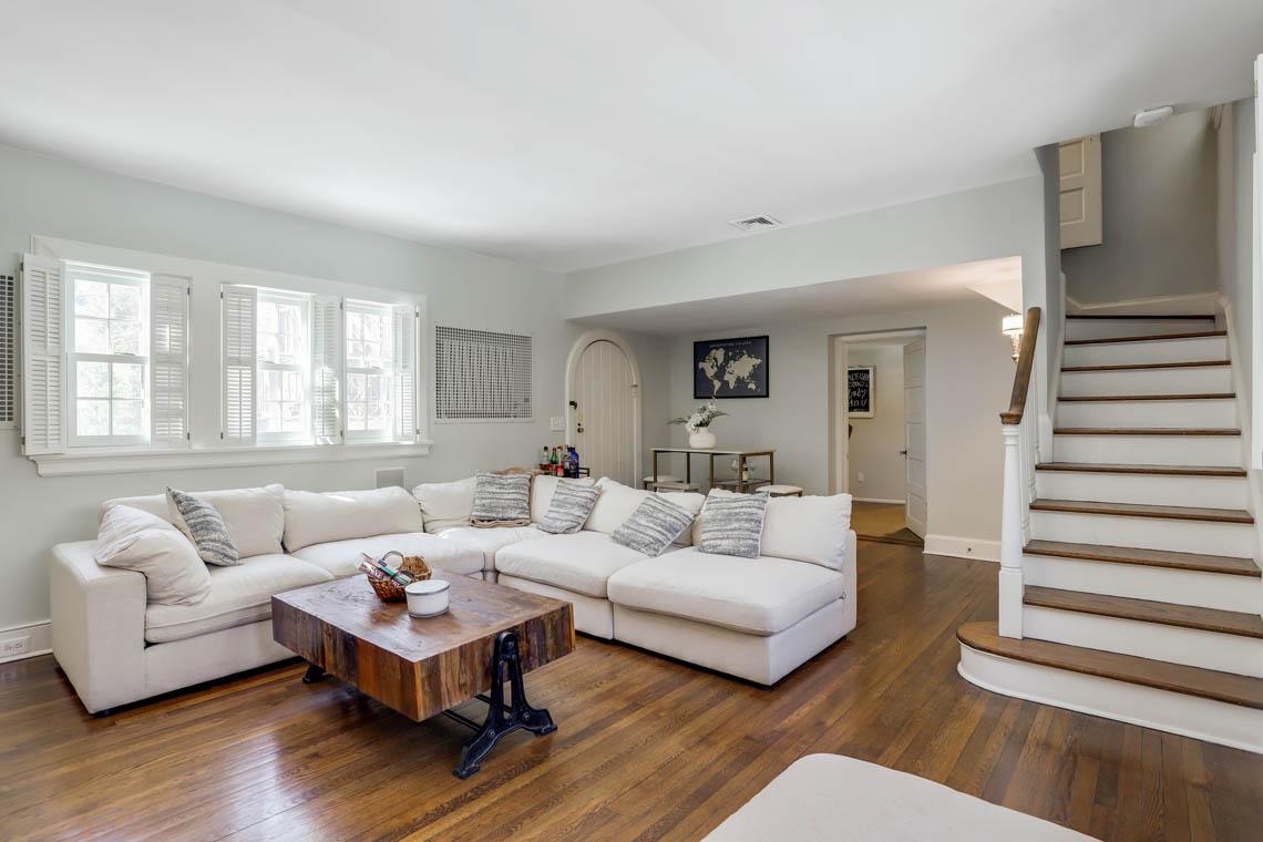 11 – 136 Hobart Avenue – Family Room