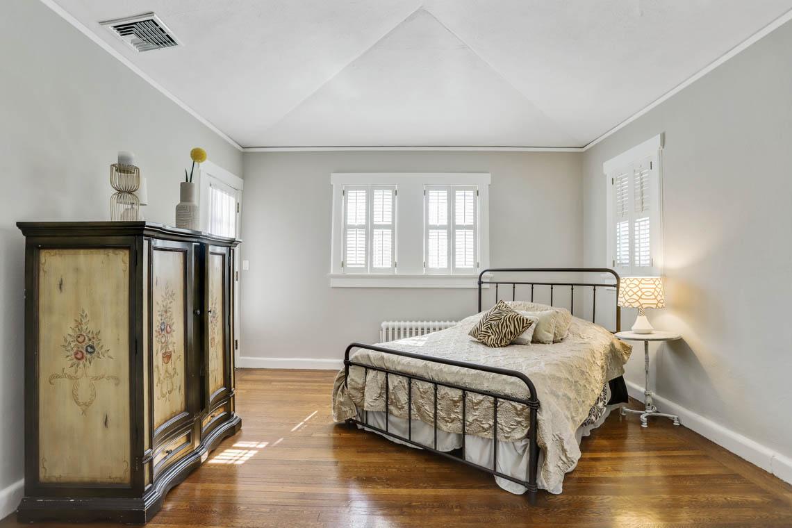 16 – 136 Hobart Avenue – Bedroom 2