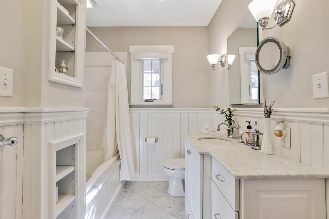 17 – 136 Hobart Avenue – Bedroom 2 En Suite Bath