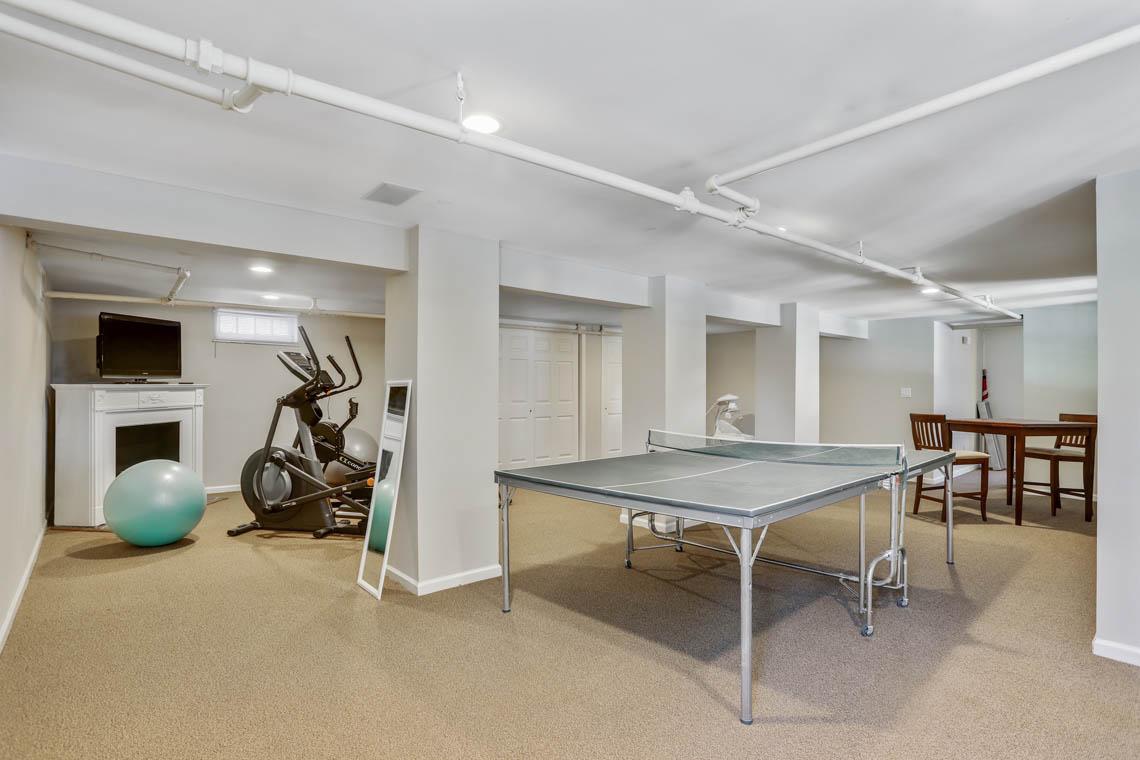 19 – 136 Hobart Avenue – Recreation Room