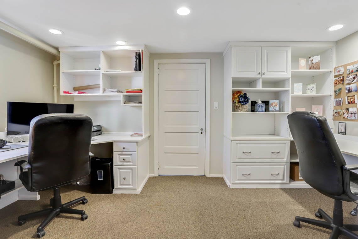 20 – 136 Hobart Avenue – Office