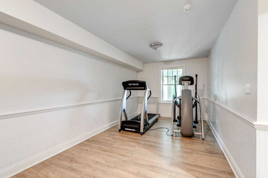 22 – 73 Oak Ridge Avenue – Exercise Room