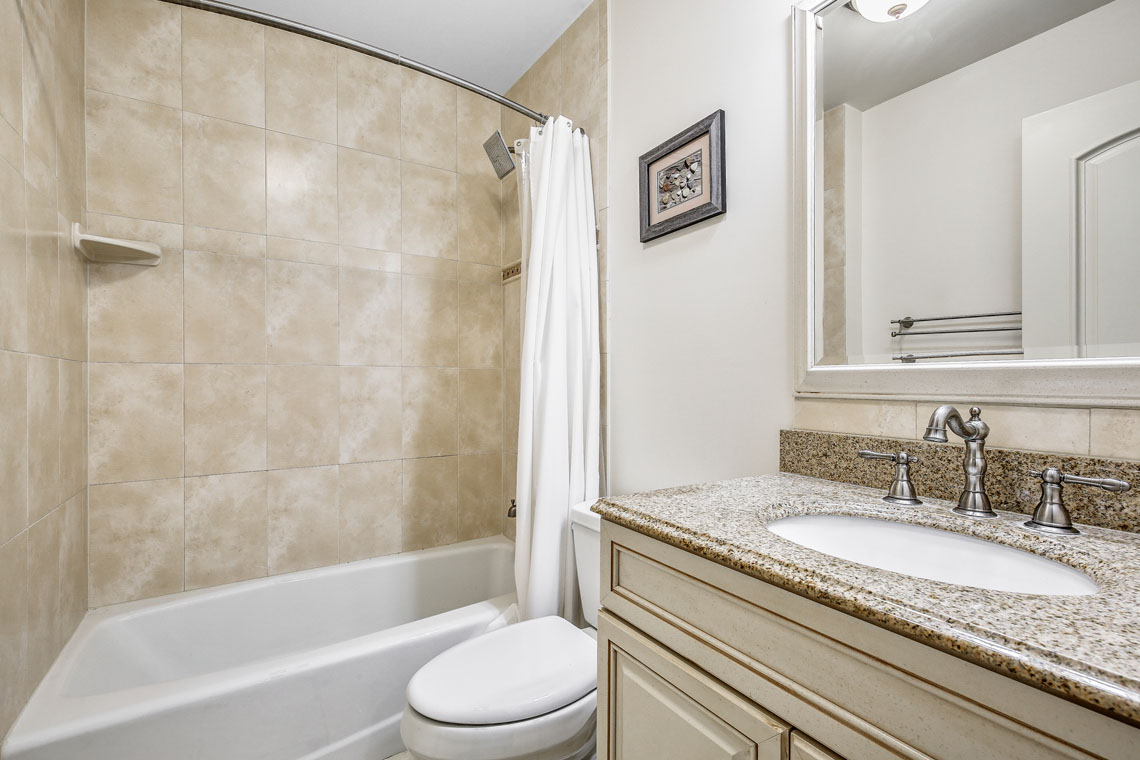 18 – 63 Addison Drive – Full Bath