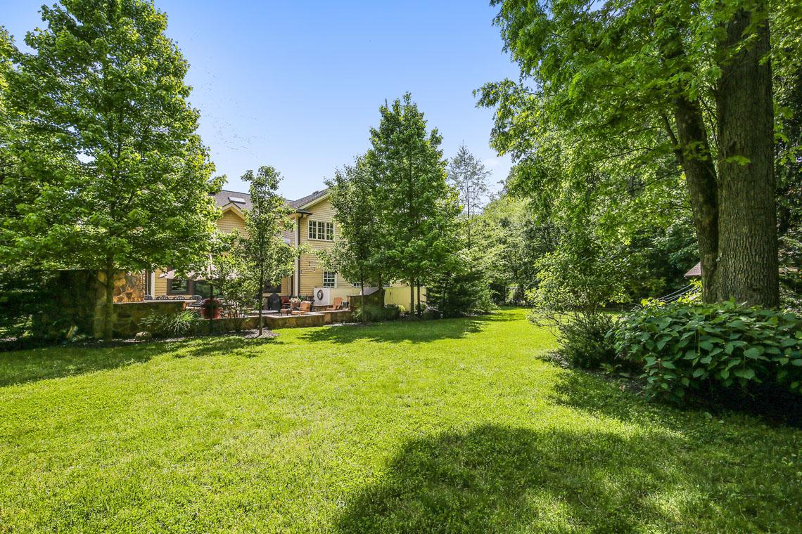 25 – 63 Addison Drive – Gorgeous, Level Property