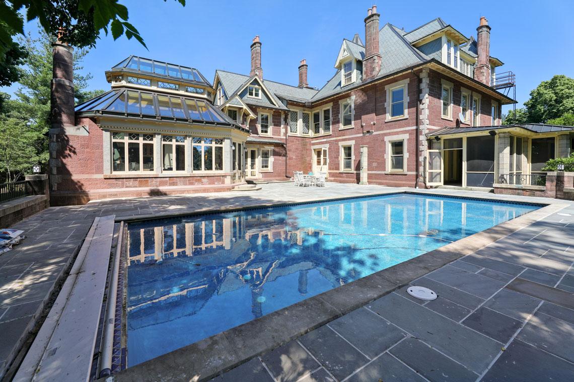 3 – 12 E Hartshorn Drive – Gorgeous Pool