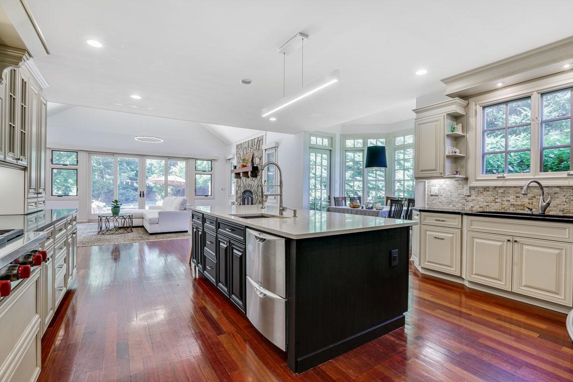 5 – 63 Addison Drive – Kitchen