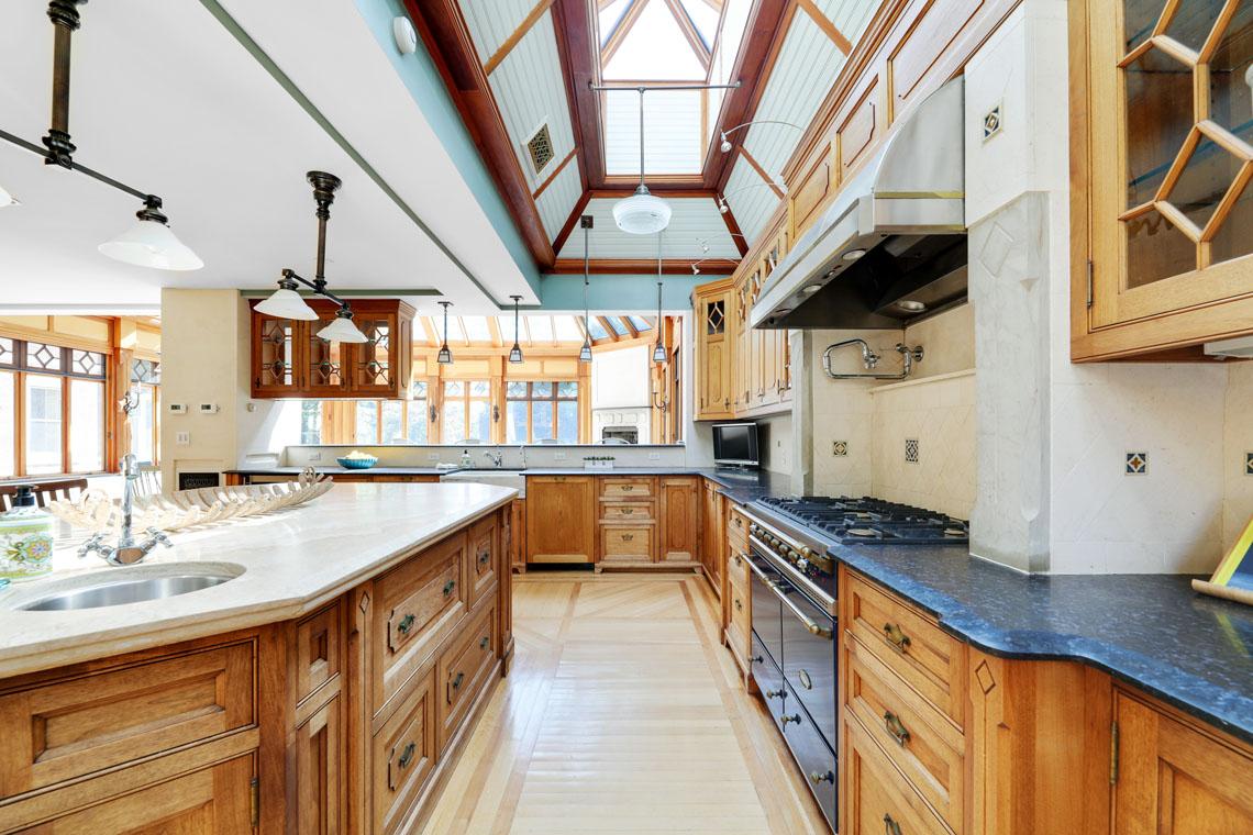 6 – 12 E Hartshorn Drive – Kitchen into Sunroom