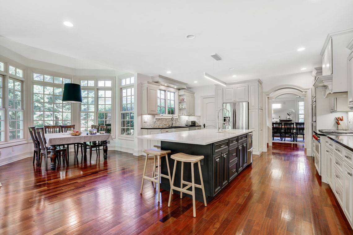 6 – 63 Addison Drive – Kitchen