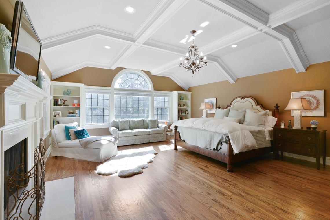16 – 50 Hilltop Road – Master Bedroom