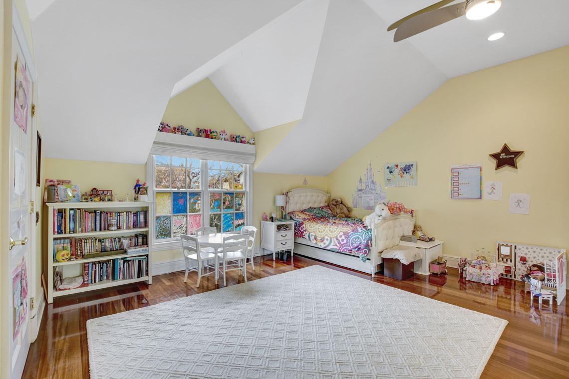 18 – 275 Hobart Avenue – Bedroom