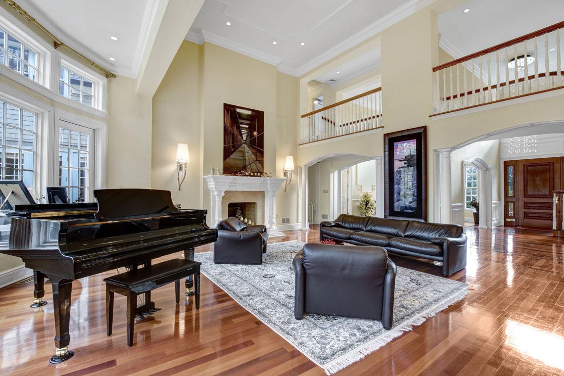 8 -275 Hobart Avenue – Great Room