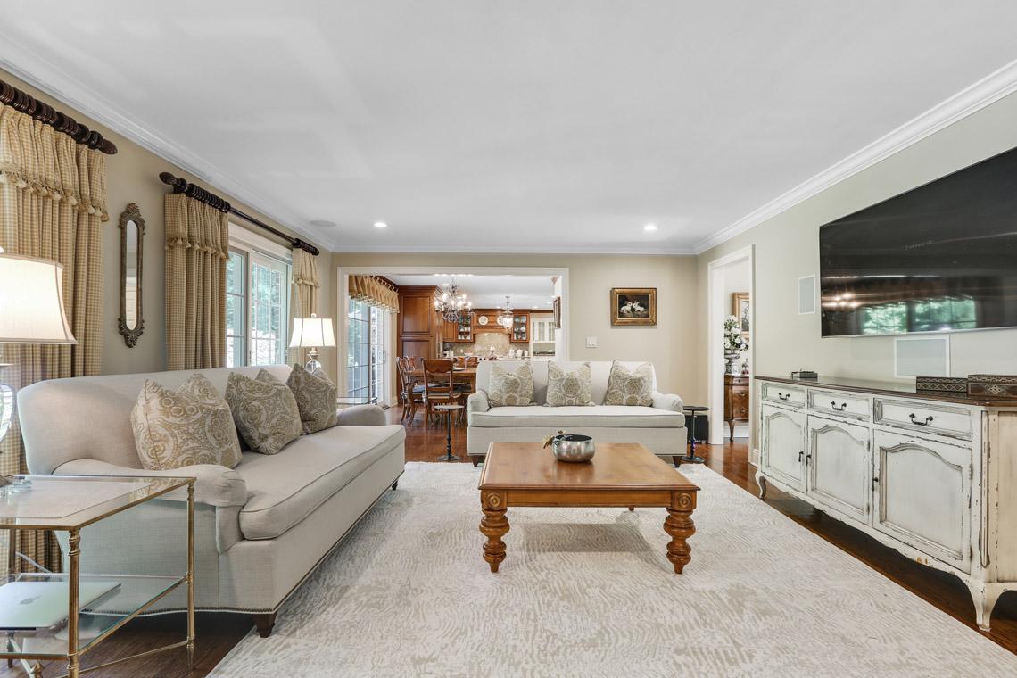 12 – 9 Troy Lane – Family Room