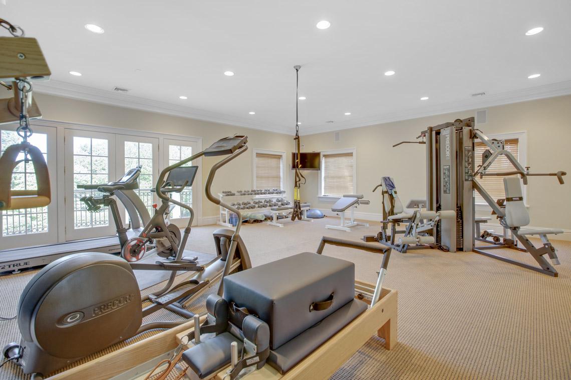 22 – 2 Jefferson Avenue – Amazing Exercise Room