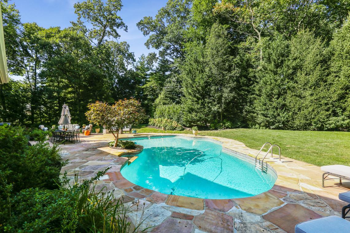 25 – 9 Troy Lane – Stunning Pool & Property