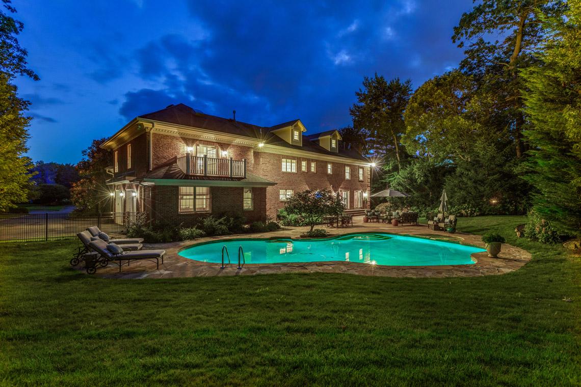 4 – 9 Troy Lane – Stunning Pool
