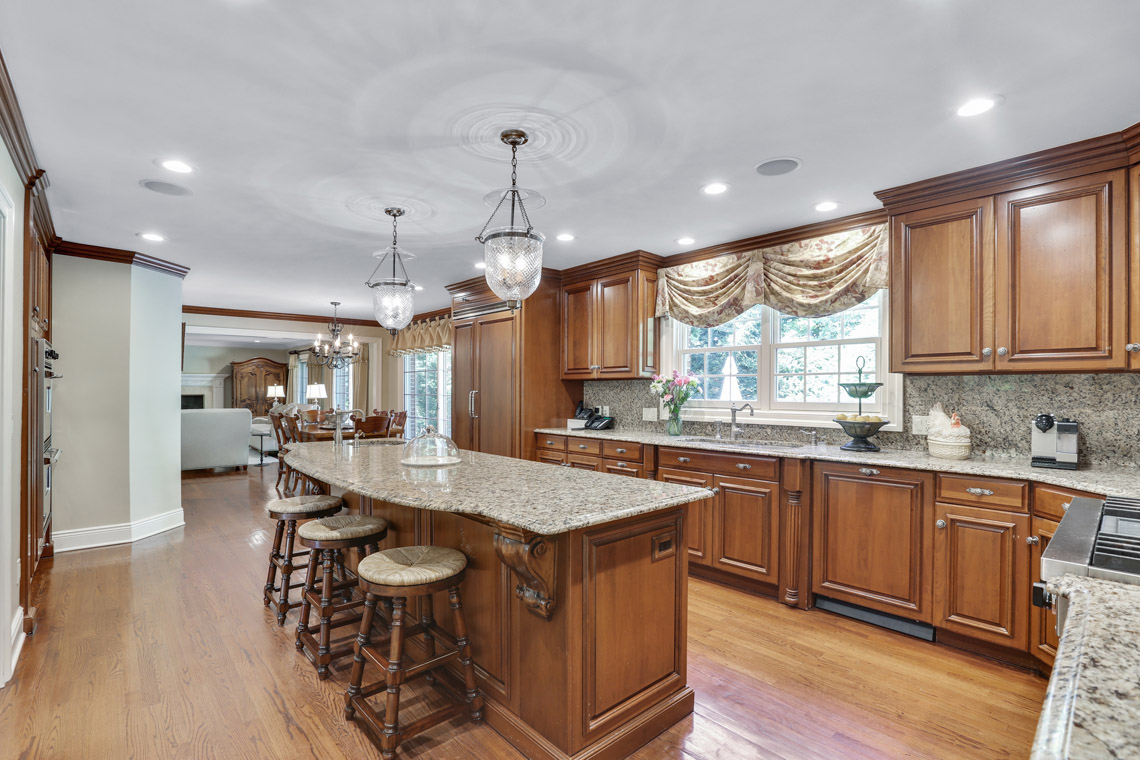 8 – 9 Troy Lane – Gourmet Eat-in Kitchen