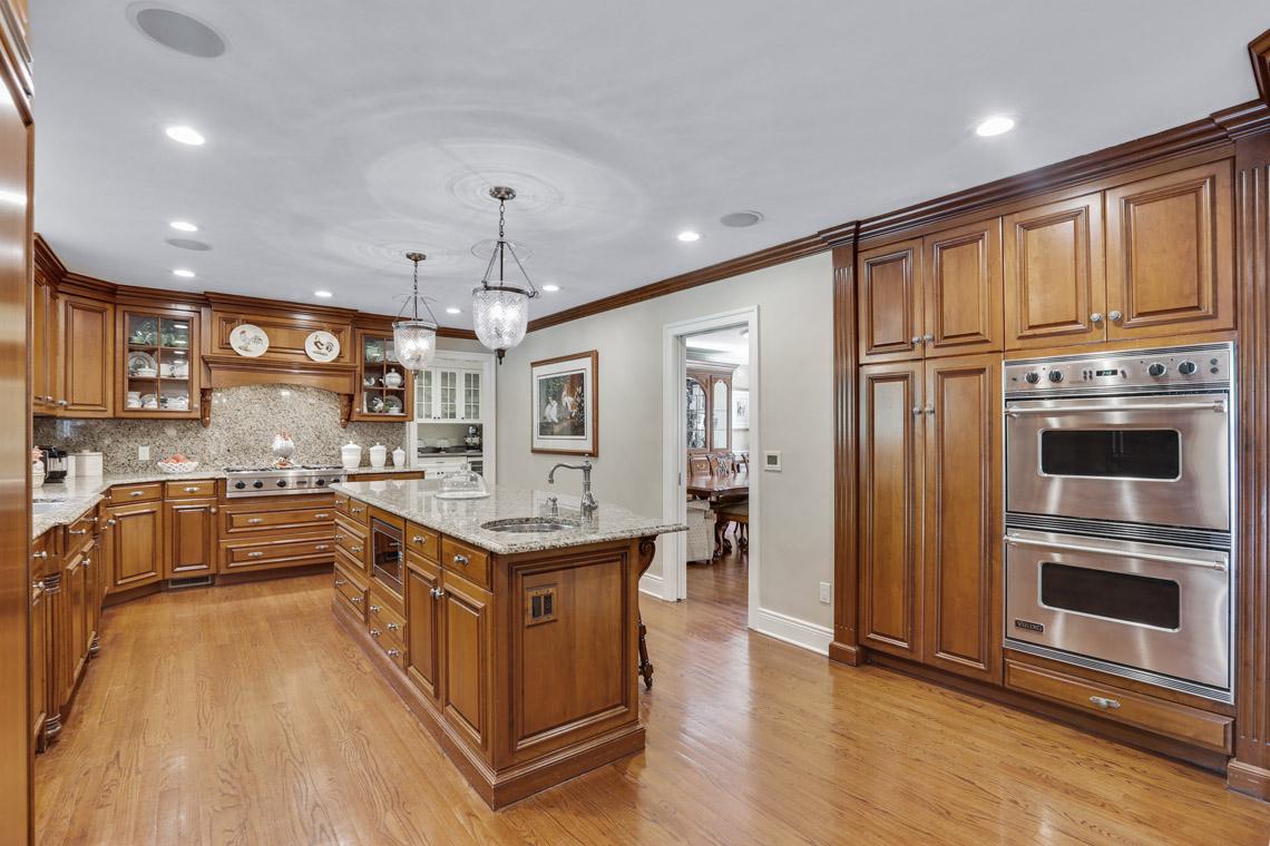 9 – 9 Troy Lane – Gourmet Eat-in Kitchen
