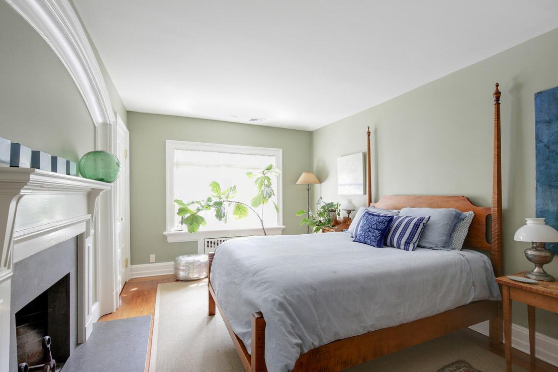 18 – 40 Minnisink Road – Bedroom