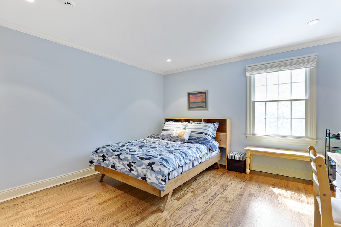 20 – 2 Briarwood Drive – Bedroom