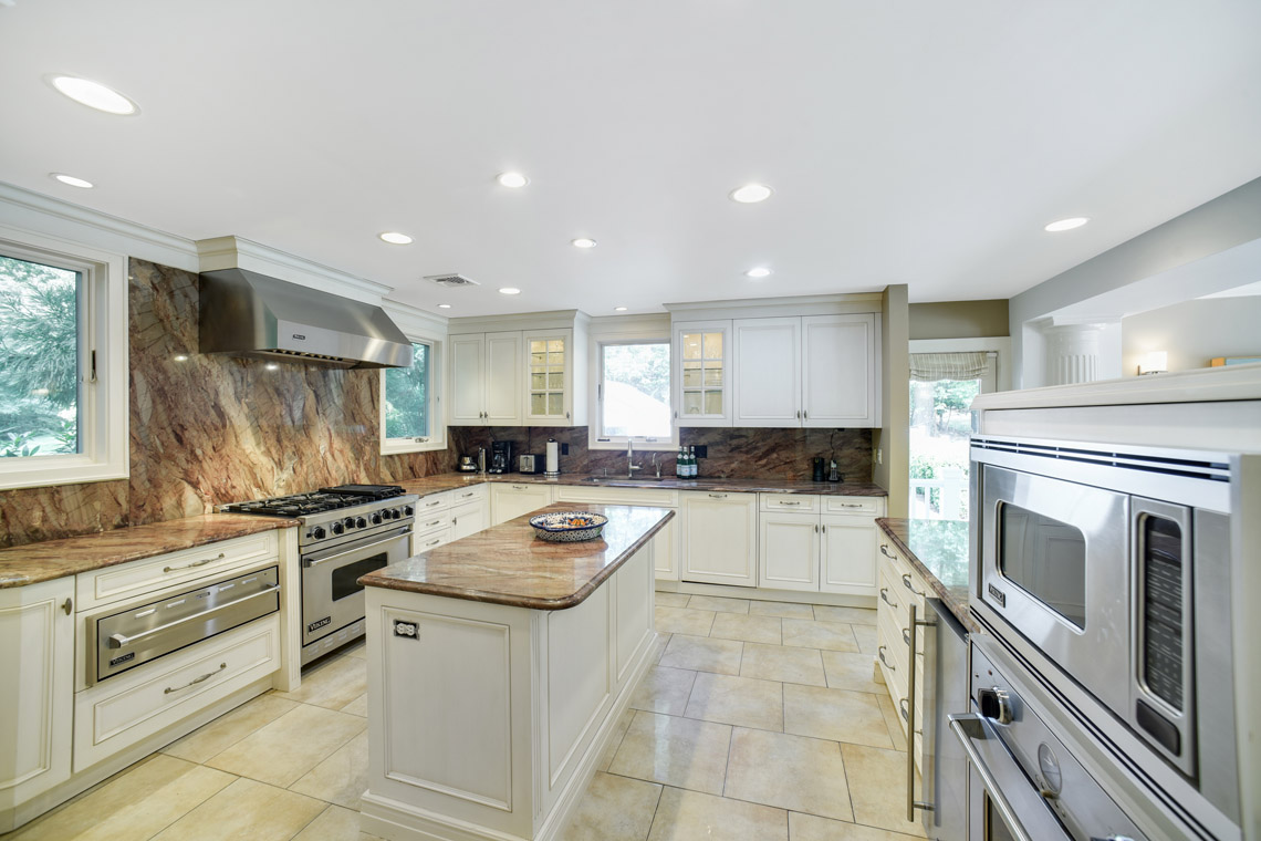 12 – 50 Coniston Road – Gourmet Eat-in Kitchen
