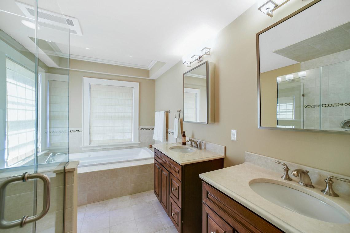 19 – 50 Coniston Road – Master Bath