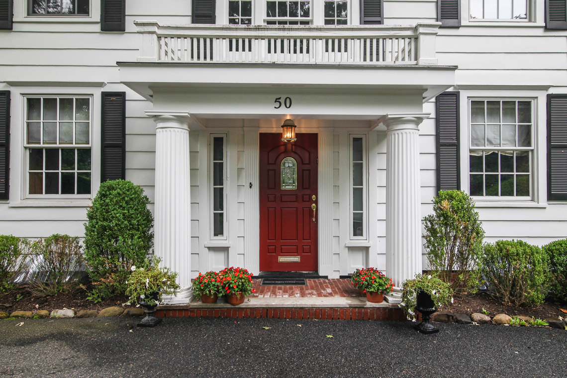 4 – 50 Coniston Road – Front Entry