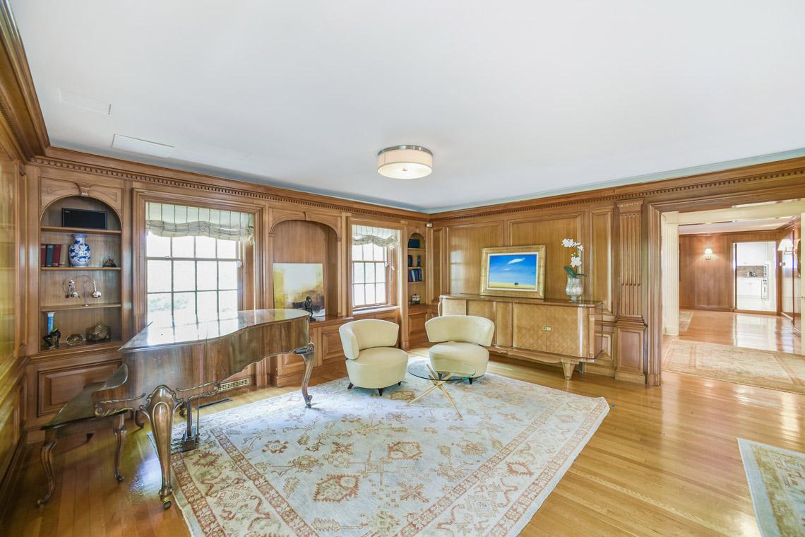 7 – 50 Coniston Road – Living Room