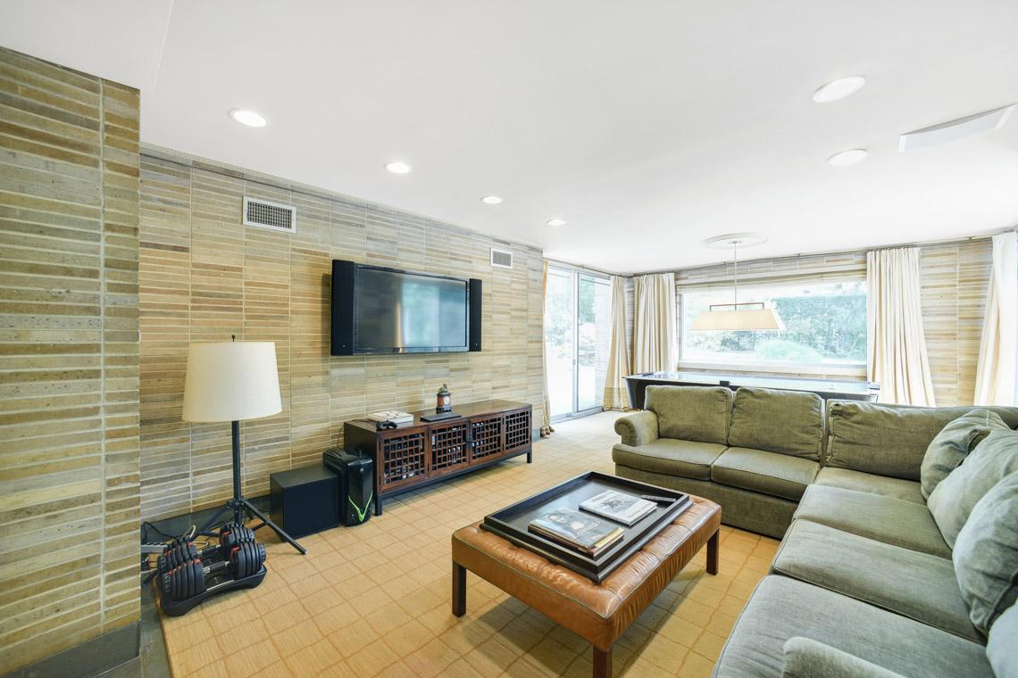 9 – 50 Coniston Road – Family Room