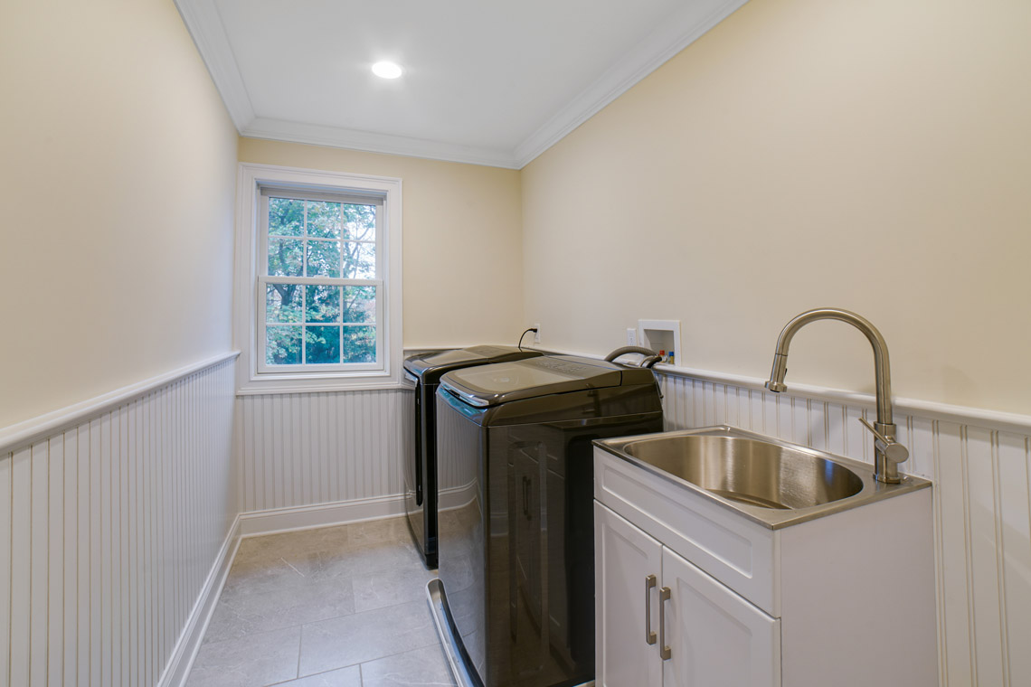 22 – 14 Chestnut Road – Laundry Room