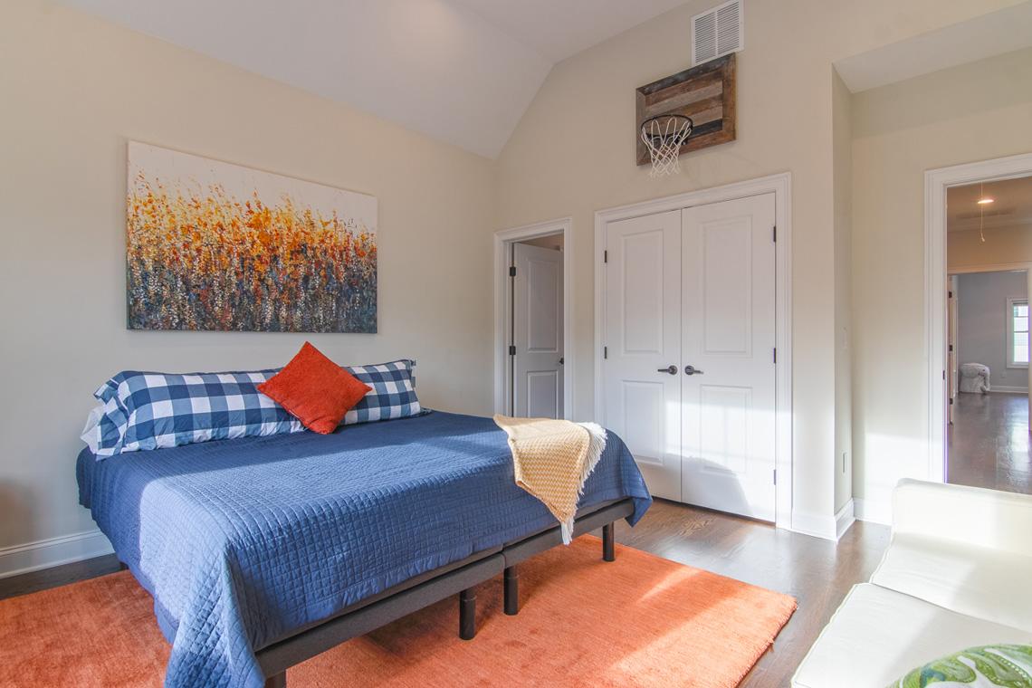 16 – 57 Locust Avenue – Bedroom