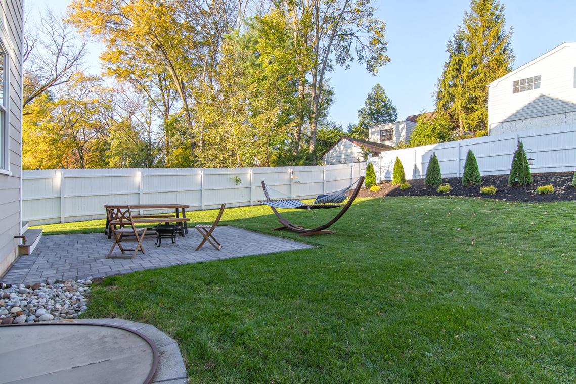 23 – 57 Locust Avenue – Great backyard