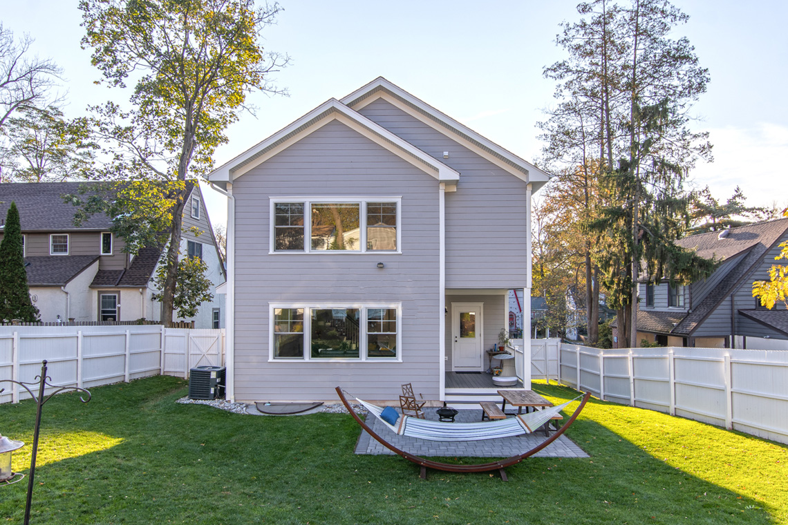 24 – 57 Locust Avenue – Great Backyard