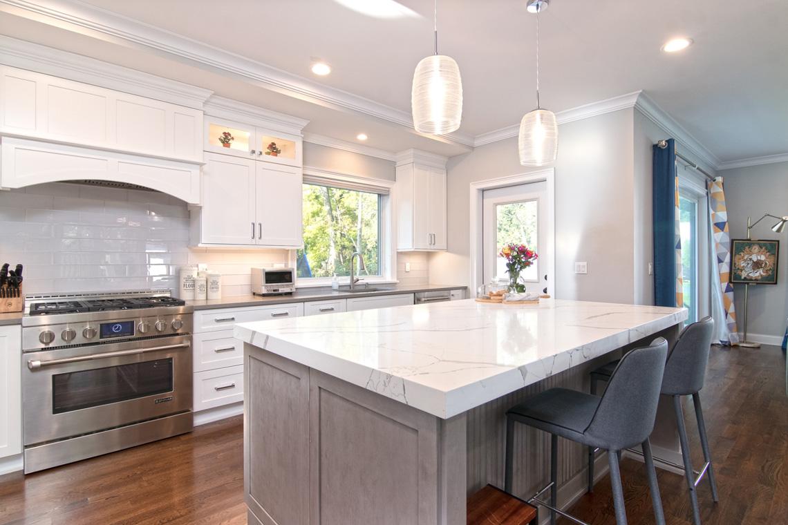 5 – 57 Locust Avenue- kitchen island