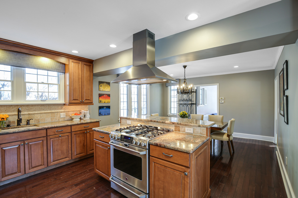 10 – 17 Colonial Way – Kitchen
