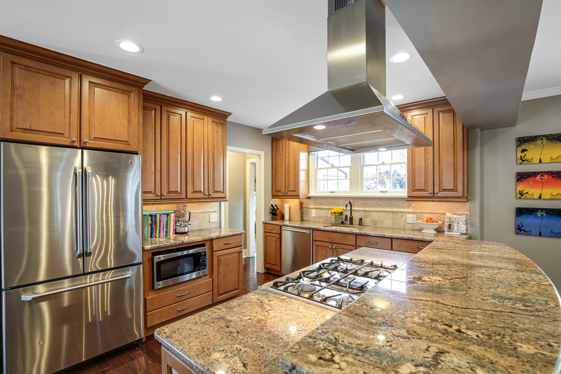 11 – 17 Colonial Way – Kitchen