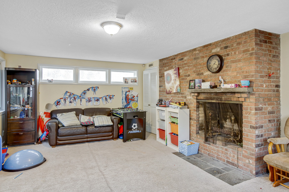 11 – 304 Forest Dr South – Recreation Room