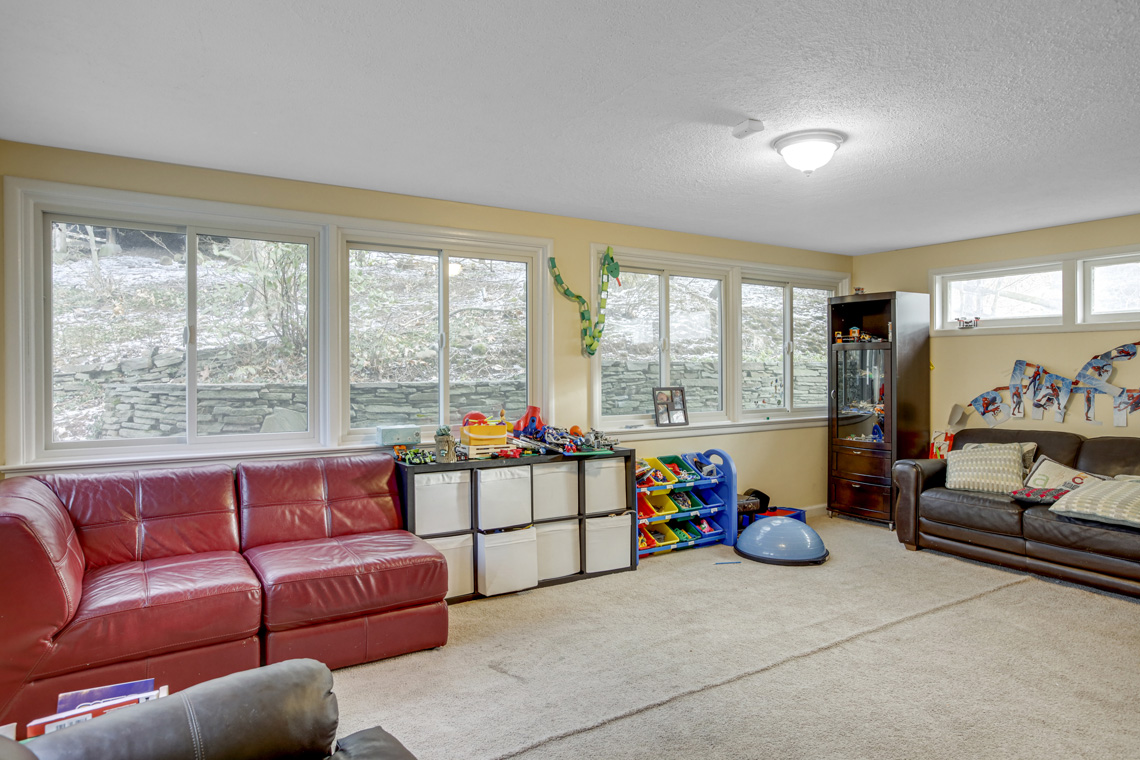 12 – 304 Forest Dr South – Recreation Room