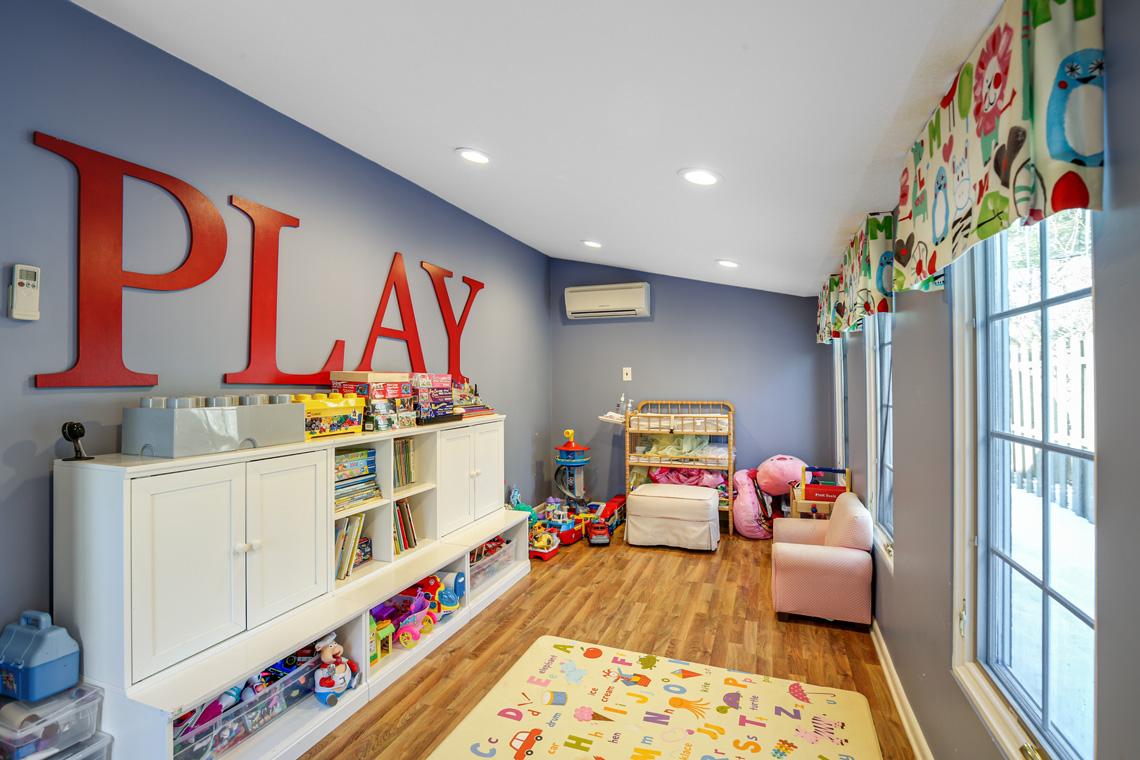 13 – 17 Colonial Way – Playroom