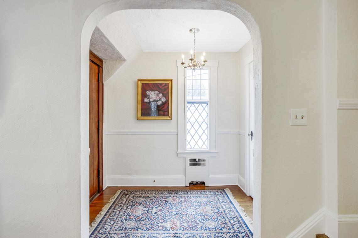 2 – 11 Wyndham Road – Foyer
